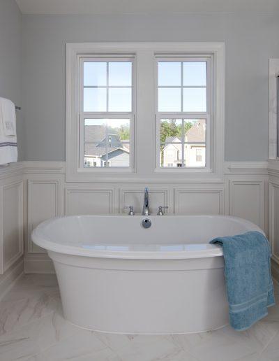 113 honeyridge master bath 02